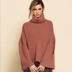 Lucca Couture Mauve ribbed turtleneck